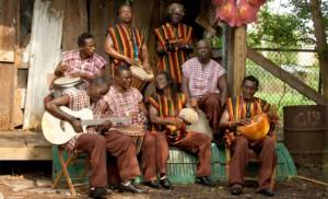 Ihre Musik könnt ihr noch entdecken: Sierra Leone's Refugee All Stars.