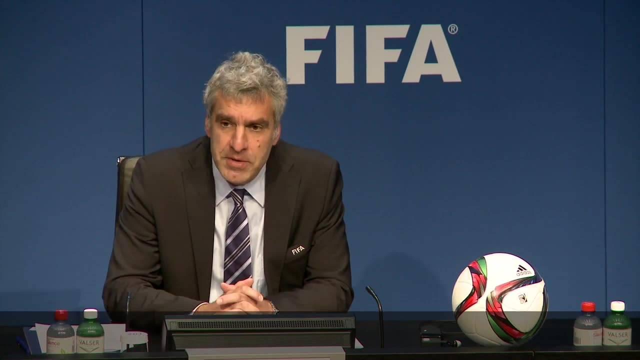 Sepp Blatter tanzt nicht im Büro - wirklich?